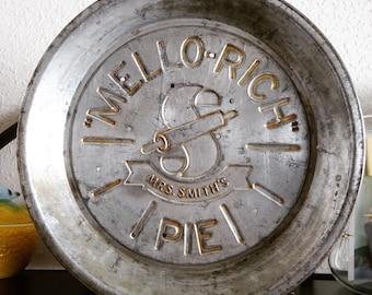 Vintage Mrs. Smiths Mello-Rich Pie Plate