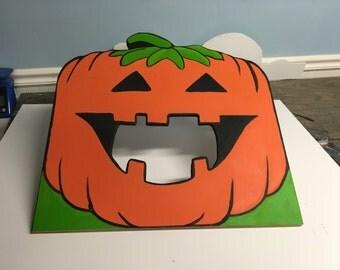 Pumpkin Toss Game . Halloween Party Game