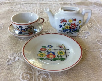 Vintage Porcelain Butterfly Garden Child's Tea Set / Children's Dishes / Free Shipping