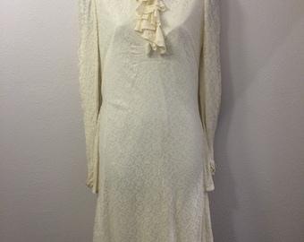 Old fashioned style wedding dress