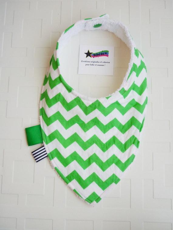 foulard bavoir pour b b baveux b b gar on ou fille motifs. Black Bedroom Furniture Sets. Home Design Ideas