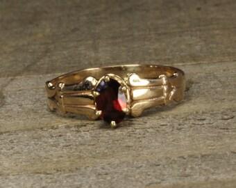 Estate, 10K Yellow Gold Garnet Ring