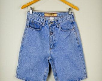Z. Cavaricci Jean Shorts 30, Cavaricci Jeans, Denim Shorts, Long Jean Shorts, Boyfriend Shorts, 90s Clothing, Vintage Clothing