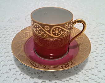 Vintage Tea Cup and Saucer by Waldershof, Demitasse, Handarbeit, Bavarian Porcelain, Handcrafted, 22 kt Gold, Coffee Espresso, Circa 1920s