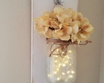Lighted Mason Jar Sconce, Mason Jar Wall Decor, Mason Jars with Lights, Farmhouse Chic Wall Decor, Farmhouse Decor, Country Chic Wall Decor,