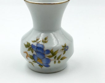 Beautiful Vintage Leart Mini Vase with Gold Trim and Flowers, Made in Brazil