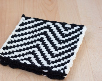 Black and White Large Loom Woven Chevron Potholder, Hot pad, or Trivet