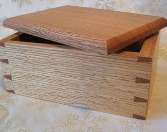 Red Oak Handcrafted wooden box with lid. Memory/Ashes/Keepsake/Gift Box