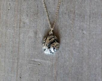 Seashell fine silver pendant