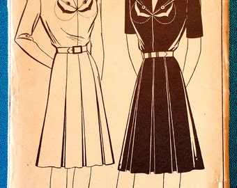 """Rare vintage 1940's dress with yoke sewing pattern - Style 4706 - size 32"""" bust, 26"""" waist, 35"""" hip - 1940s"""