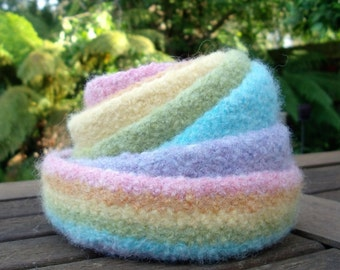 Pastel Rainbow Nesting Bowls / Felted Wool Bowls / 7 Nesting Bowls / Jewellery Organiser / Desktop Organiser