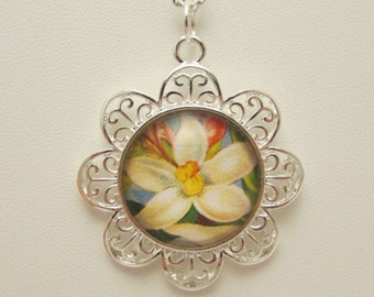 White Flower Necklace, Floral Necklace, Flower Pendant, Glass Flower Necklace, Vintage Flower Pendant, Photo Pendant, Mother's Day Gift
