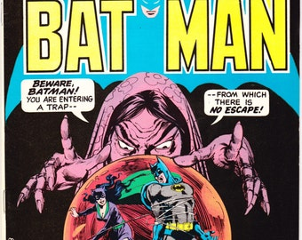 Batman and Catwoman 266, comic book, Bronze Age books, Vintage art. 1975 DC Comics in VF (8.0)