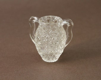 Small Fenton Daisy and Button Vase Toothpick Holder
