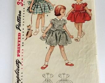 Vintage 1940s Little girls' dress pattern, Simplicity 4481, Size 2