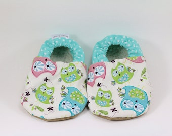 Owl baby shoes owl baby booties soft sole shoes toddler shoes girl baby booties girl baby shoes crib shoes owl baby clothes baby shower gift