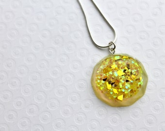 Resin Necklace, Resin Pendant, Resin Jewellery. Glitter Necklace