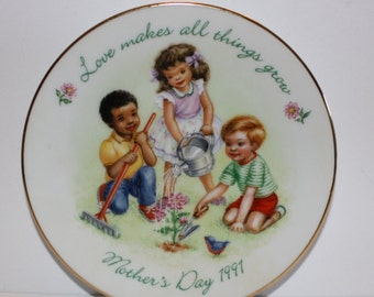 Avon Mothers Day Collector Plate