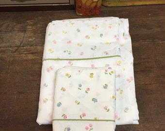 Vintage Floral Twin Flat Sheet and Pillowcase