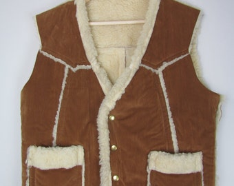 fleece lined snap button vest / 1970s vintage / soft brown
