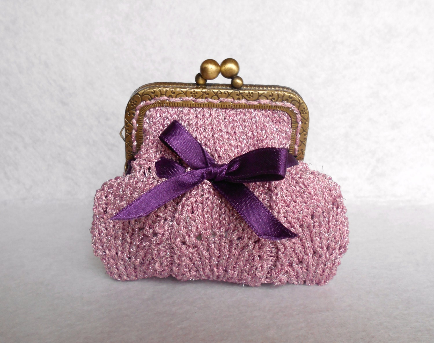 Vintage style coin purse knitted in Fan Flare stitch Metal