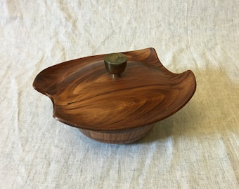 Vintage Mid Century California Pottery Faux Wood Grain Ceramic Serving Bowl with Retro Lid