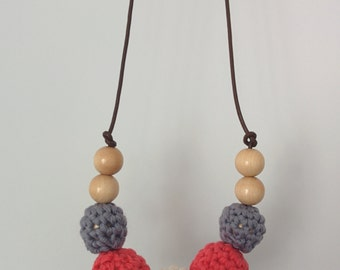 Nursing necklace - Coral