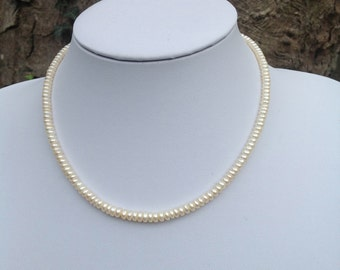 Beautiful vintage faux pearl necklace with a pretty barrel clasp