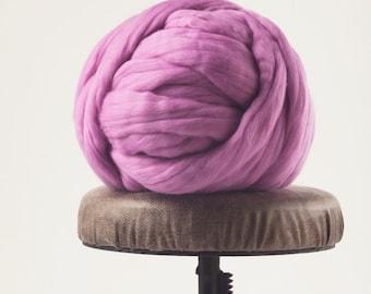 Merino wool roving, 18 microns, Spinning fiber, Felting wool, Wet felting, Nuno felting, 1 kg/2.2 lb