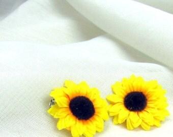 Sunflower hair pin, sunflower hair clip, yellow bobby pin, flower girl hair clip, baby hair flower, sunflower hair bobby, yellow flower clip