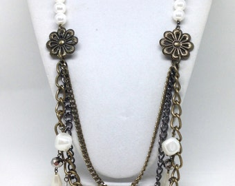 Stunning Estate Signed Traci Lynn Faux Pearl Chain Estate Necklace