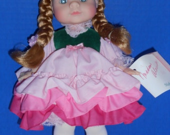Madame Alexander doll Muffin No. 1252 Doll 2 of 2