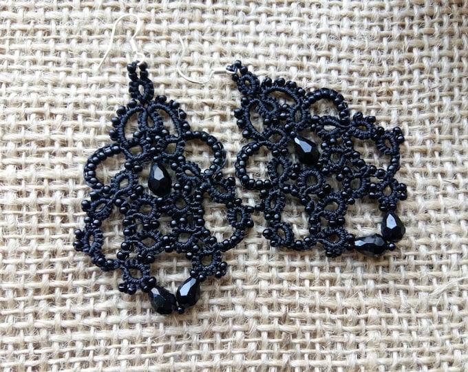 Lace earrings Royal