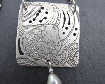 Unique Etched Sterling Silver Pendant and Chain plus Fresh Water Pearl