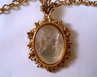 Vintage Glass Intaglio Cameo Pendant on a Long Necklace U2362