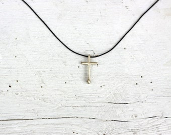 Sterling silver medium cross 'Stavros' necklace.