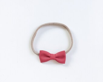 """Baby headband with bow * small hair bow """"Amy"""" Cranberry"""