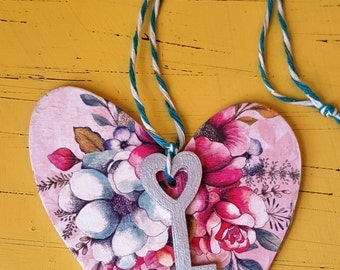 Floral key-to-my-heart hanging love heart