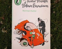 Vintage Puffin Paperback Book, The Peculiar Triumph of Professor Branston by Norman Hunter.