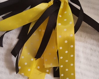 Black and yellow dotted keychain