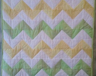 Chevron Quilt/ Baby Quilt/ Toddler Quilt/ Lap Quilt/ Throw Quilt/ Gender Neutral Quilt/ Baby Shower Gift/ Striped Quilt