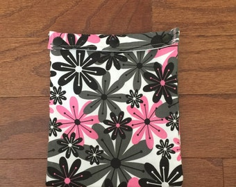 Reusable Sandwich Bag - Pink and Gray Flowers
