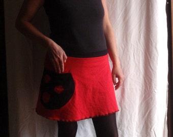 Door skirt sheet in red and Black jersey