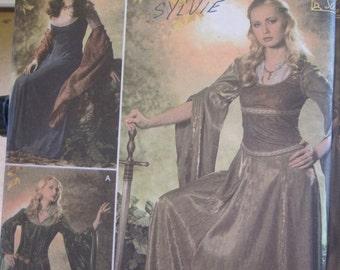 Pattern SIMPLICITY 4940 medieval dress