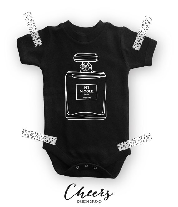 Chanel Bebe Fashion Baby esie Chanel Baby Shower Gift