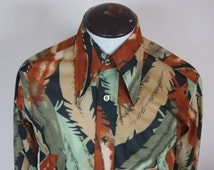 1970s Mens Fitted Disco Feather Print Fabric Button  Down Shirt