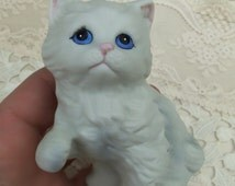 Adorable Little White Ceramic Kitty With Blue Eyes