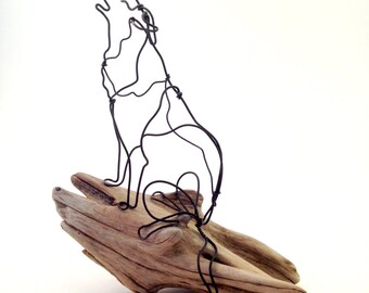 Howling Wolf - animal wire sculpture