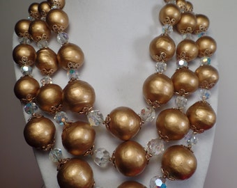 Fabulous Mad Men Style Necklace-Large and Showy