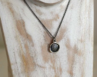 Always the Same - Leaf Pendant Wax Seal Necklace - 213